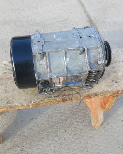 генератор Генератор холодильной установки Кариер.Carrier Кариер. Carrier за полуремарке Carrier