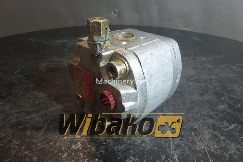 хидравлична помпа  Hydraulic pump Poclain 70316908 за багер 70316908