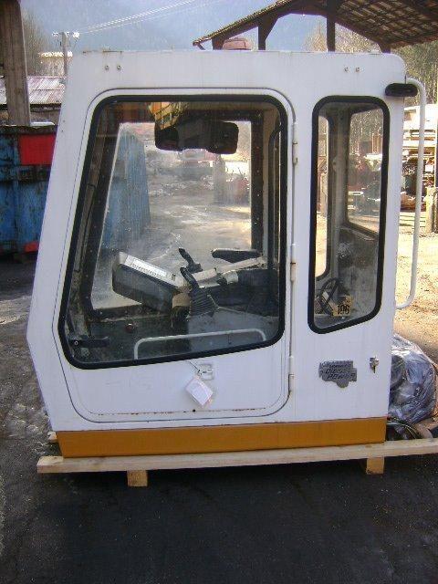 кабина LIEBHERR Cab за багер LIEBHERR 942 Cab