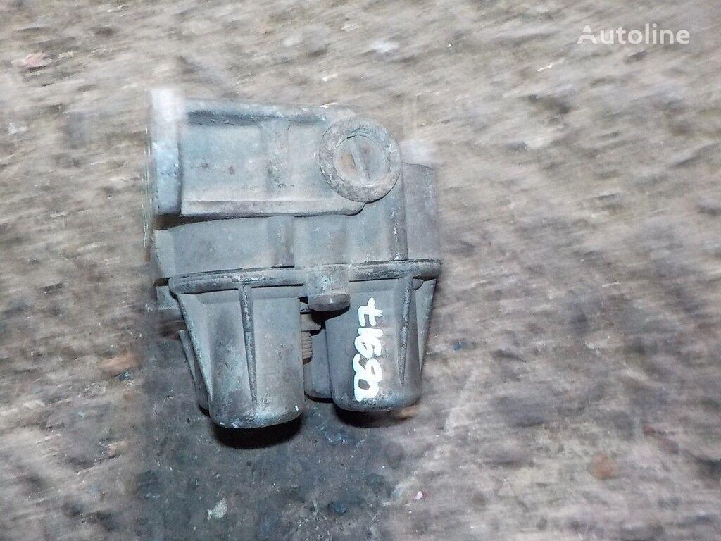клапан 4-х контурный Renault за камион
