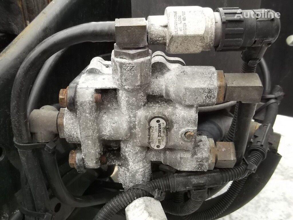клапан 4-х контурный предохранительный клапан MAN за камион