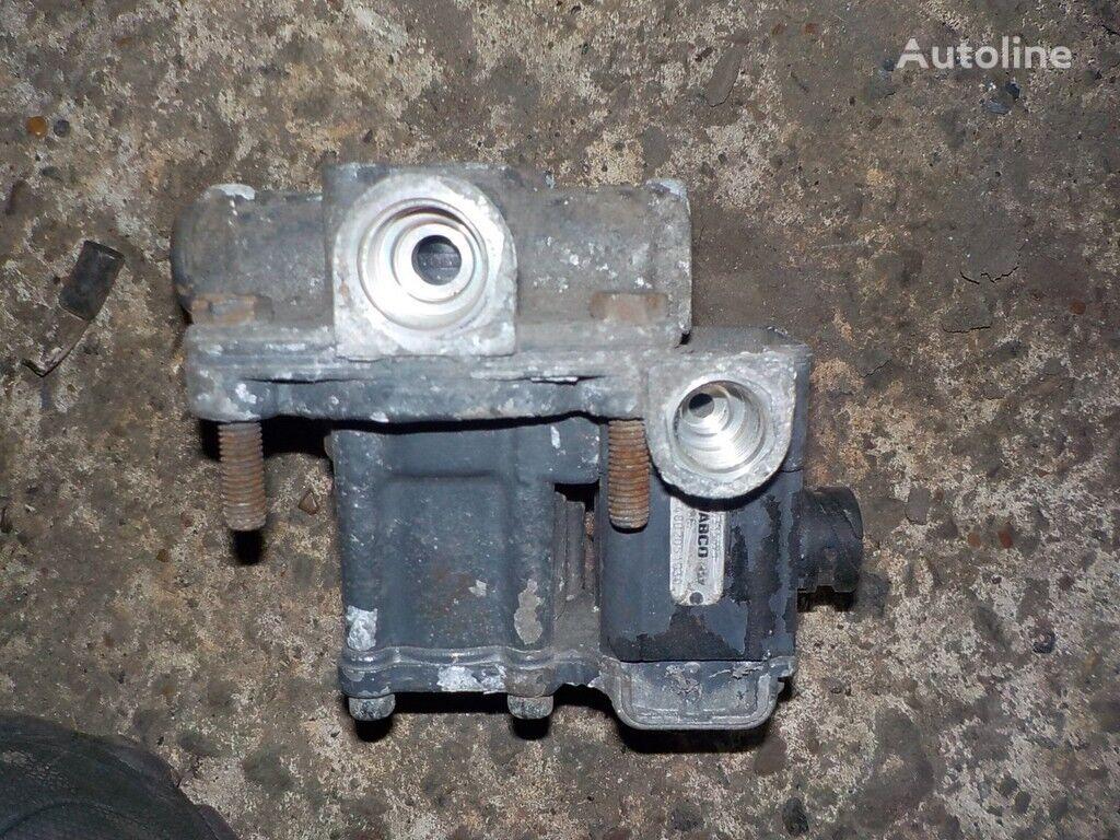 клапан ускорительный DAF за камион