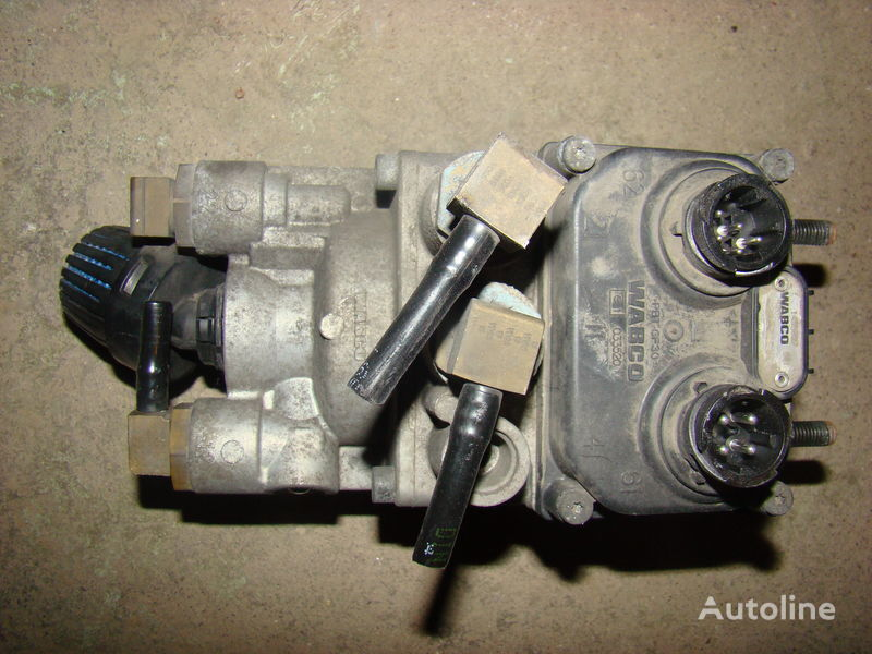 кран  DAF 105XF foot brake valve 1455027 за влекач DAF 105XF