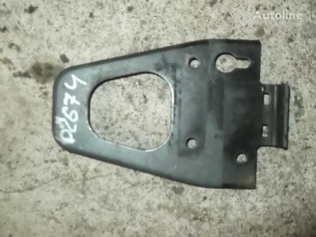 крепежни елементи  усилителя переднего бампера DAF за камион