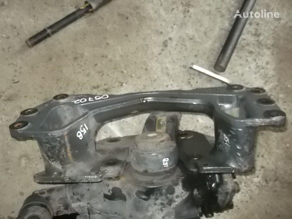 крепежни елементи  Кронштейн ГУРа Renault за камион