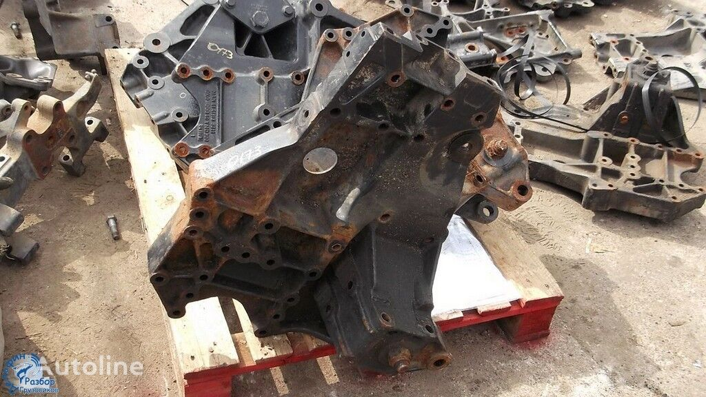 крепежни елементи  Силовой кронштейн рамы MAN за камион