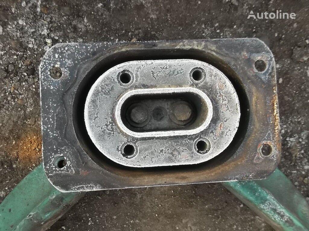 крепежни елементи VOLVO Кронштейн двигателя за камион VOLVO