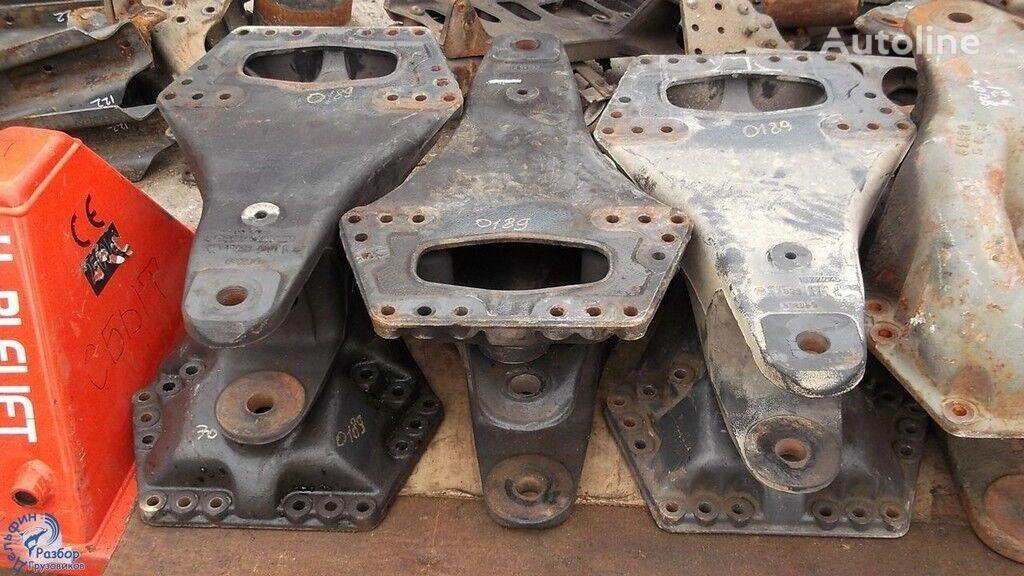 крепежни елементи Кронштейн рессоры за камион