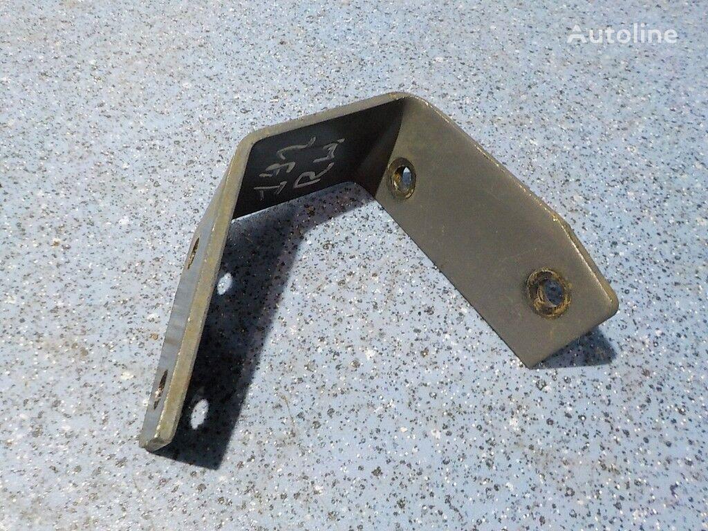 крепежни елементи Кронштейн тормозного клапана RH Mercedes Benz за камион