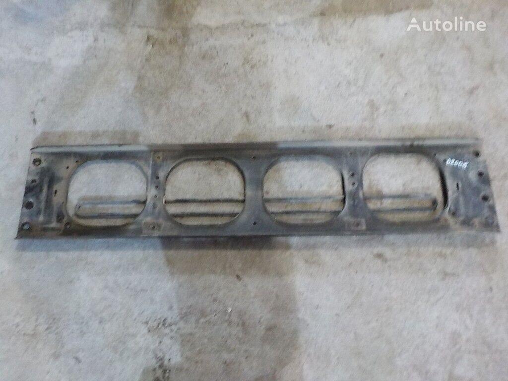 крепежни елементи Поперечина передняя рамы-кронштейн решетки радиатора Volvo за камион