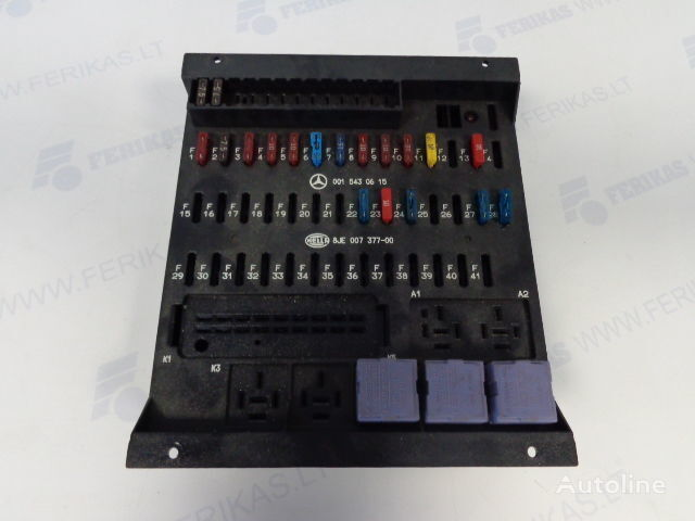 кутия с предпазители  HELLA protection fuse box 0015430615,0015433115,8JE007377-01,8JE007377 за влекач MERCEDES-BENZ