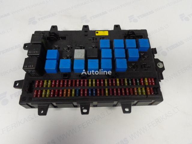 кутия с предпазители RENAULT Fuse relay protection box 5010428876,5010231782,5010561943 за влекач RENAULT MAGNUM