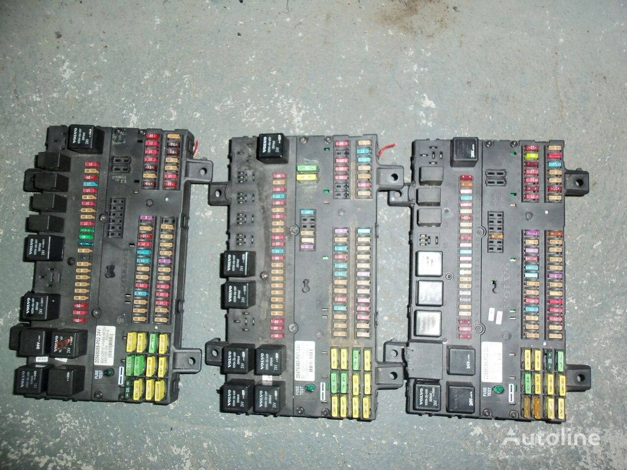кутия с предпазители  VOLVO FH13 fuse and relay center, central electrical box 20568055, 21732199 за влекач VOLVO FH13