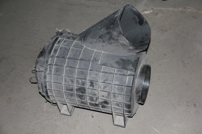 кутия за въздушен филтър  SCANIA за влекач SCANIA SERIE 4 / R