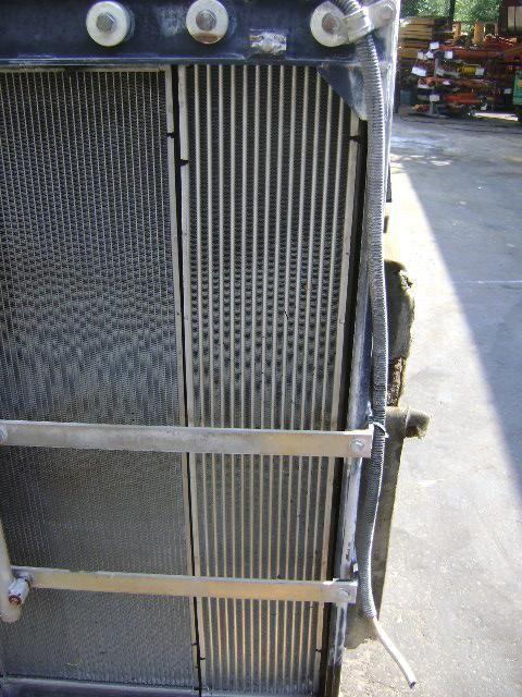 охлаждане на двигателя радиатора NEW HOLLAND за багер NEW HOLLAND E 385 B