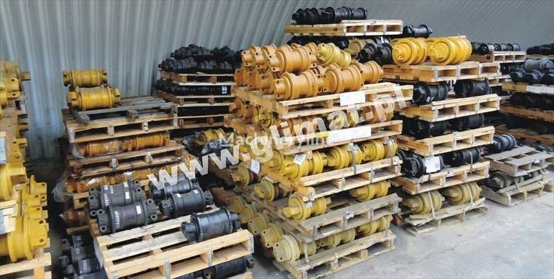 нов опорен валяк за строителна техника CATERPILLAR D8N , 583