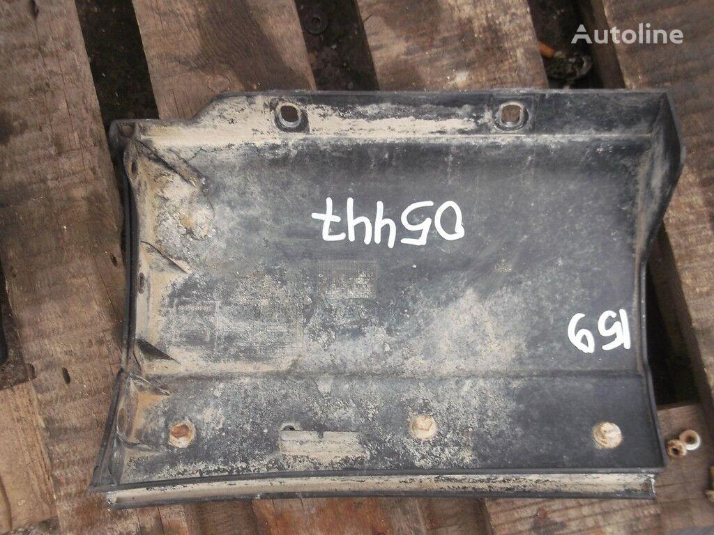 резервни части Накладка на крыло RH Iveco за камион