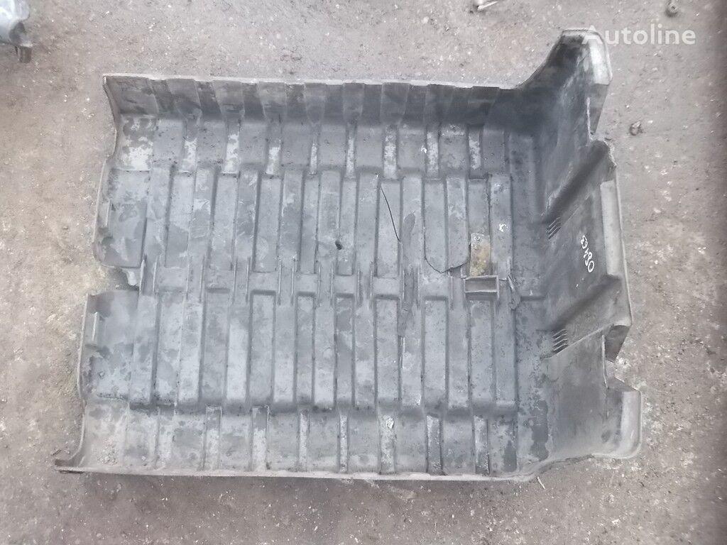резервни части Крышка АКБ DAF за камион