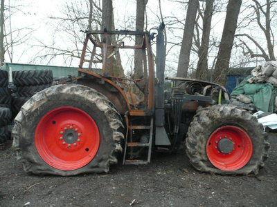 резервни части б/у запчасти / used spare parts CLAAS за трактор CLAAS ARES 836