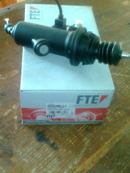 ново съединител  FTE Цилиндр MKG2385243      81307156154 за влекач MAN TGA