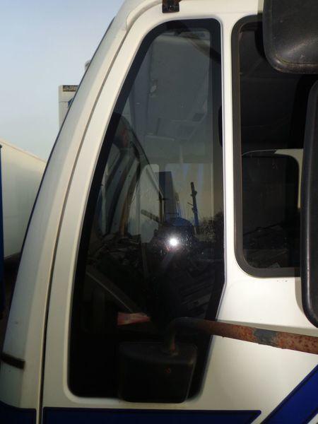 стъкло  неподъемное за камион MAN 18