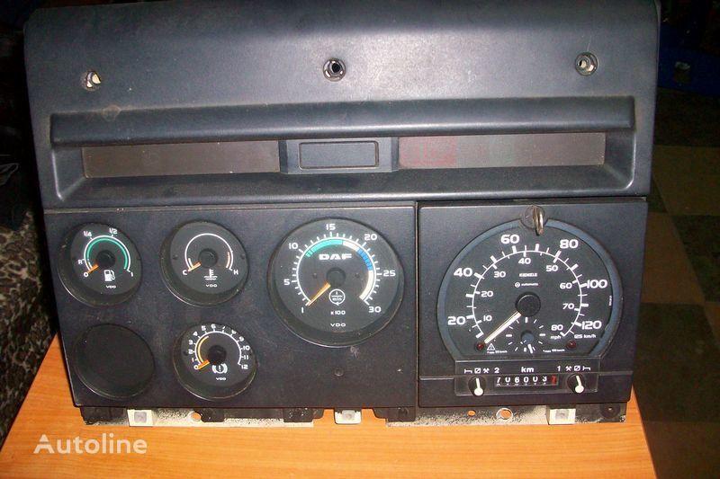 табло с уреди  CF-85 за влекач DAF  XF,CF