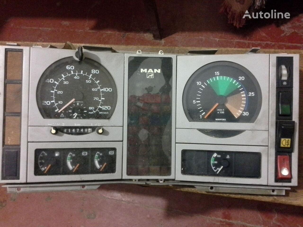 тахограф  Спідометр  Тахометр оригінальні запчасті кабіни за камион MAN  L2000 По запчастям