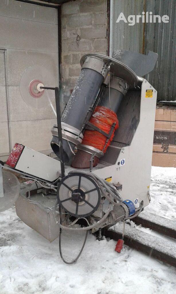 друга селскостопанска техника Sorma RB2-120  Автоматическая клипсаторная машина для картофеля,