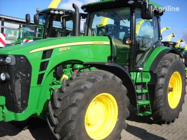 колесен трактор JOHN DEERE 8320 R (НОВЫЙ)