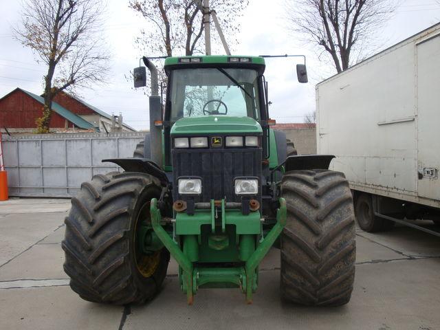 колесен трактор JOHN DEERE 8400