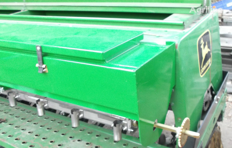 механична сеялка JOHN DEERE Туковысевающий аппарат