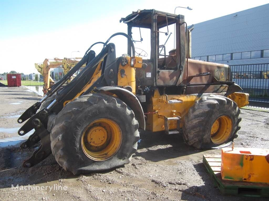 катастрофирал челен товарач JCB 426S Agri For parts