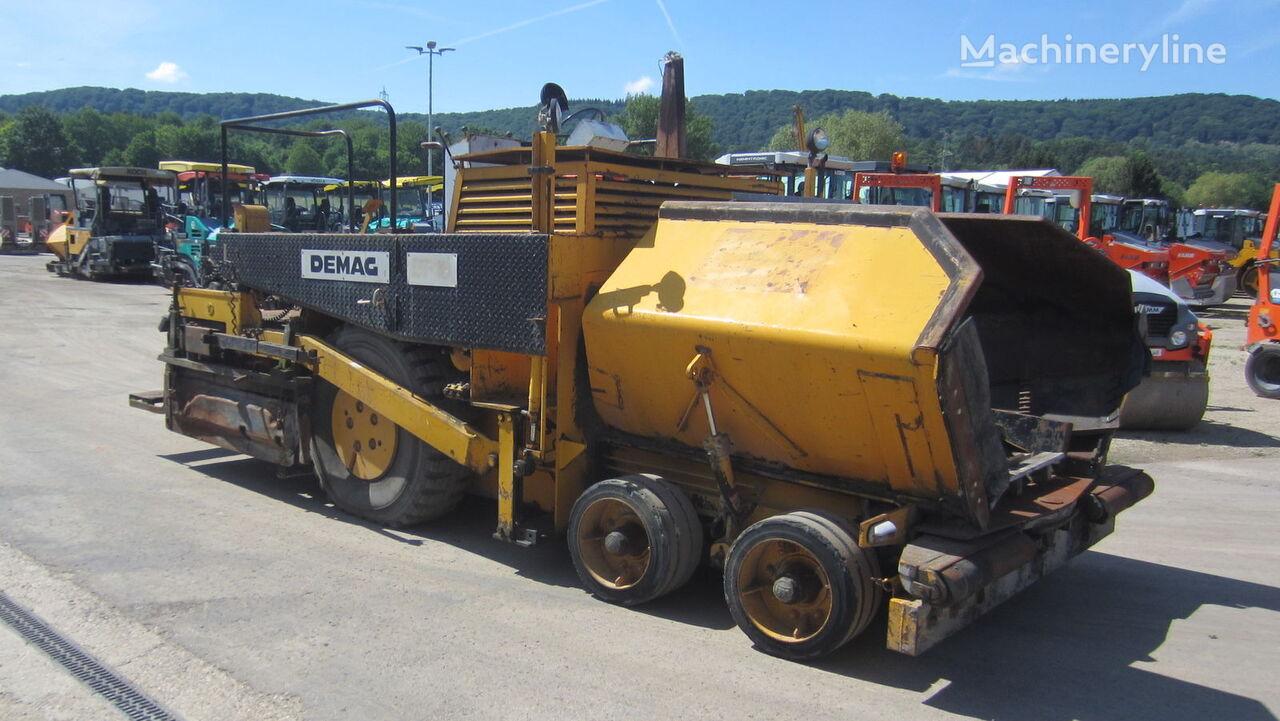 колесен асфалтополагач DEMAG DF 10 P