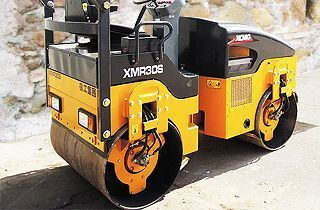 нов пътен валяк XCMG XMR30S