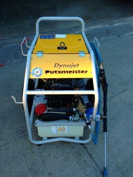 стационарна бетон помпа PUTZMEISTER putzmeister dynojet (maquina auxiliar para el plegado de plumas