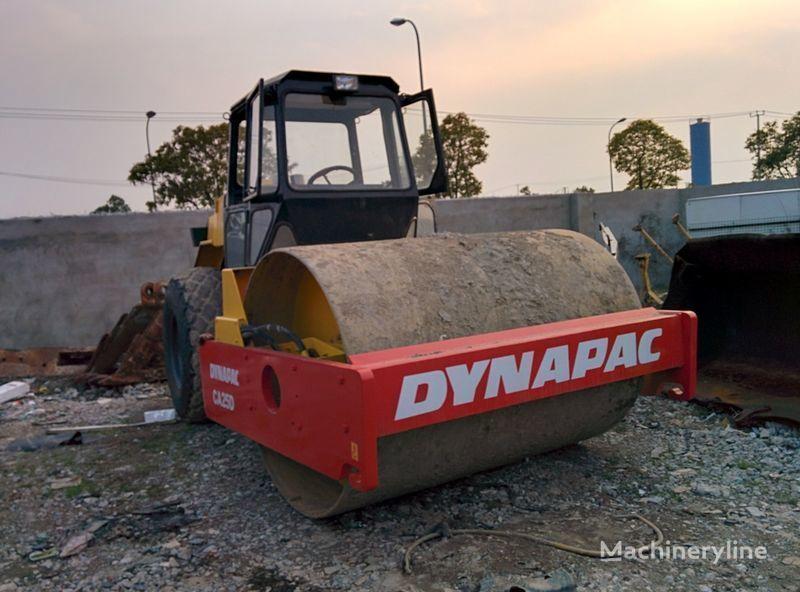 валяк за почва DYNAPAC CA25D