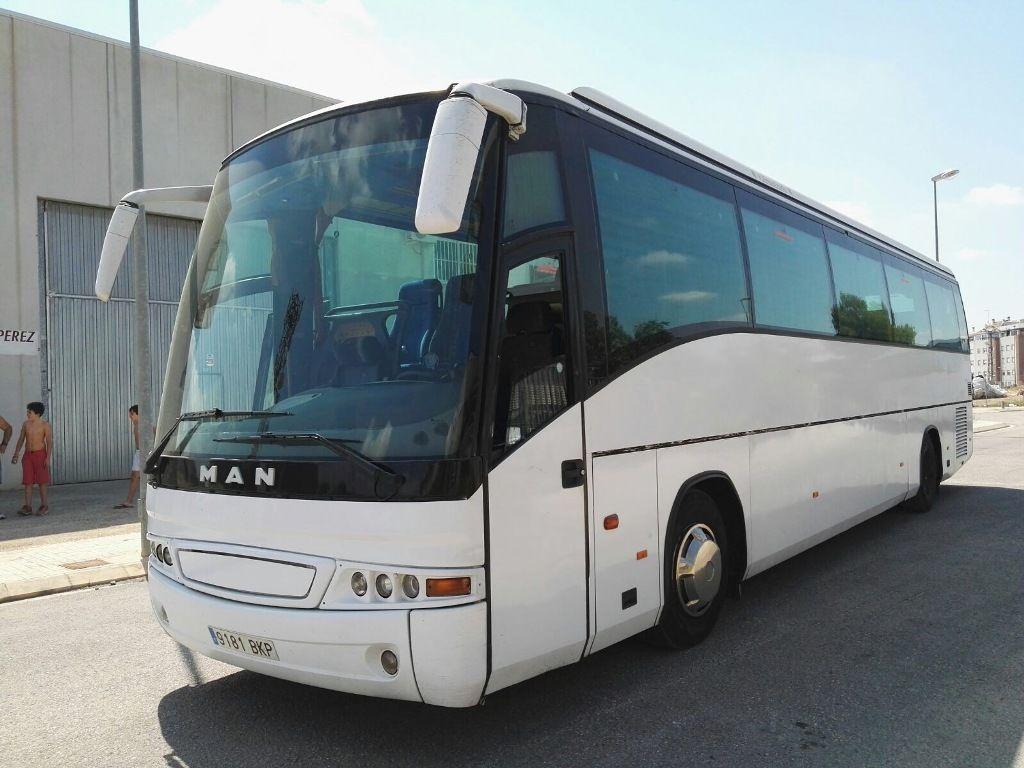 туристически автобус MAN 18.400