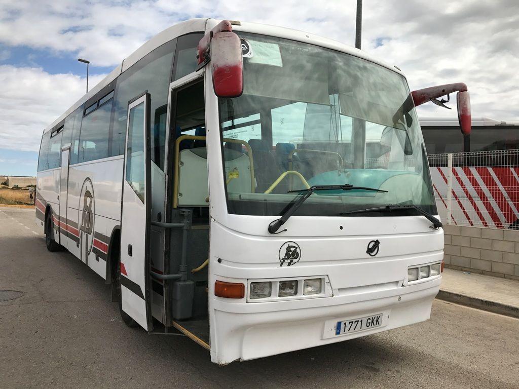 туристически автобус MERCEDES-BENZ O404
