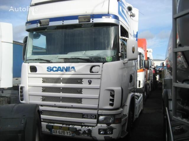 влекач SCANIA L 124L420